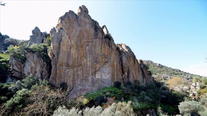 Muğla'da Hazreti İsa freskleri ve kaya mezarları turizme kazan