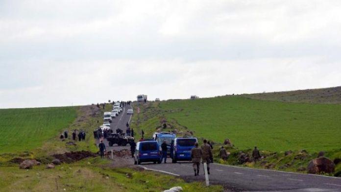 Askeri Aracın Geçişi Esnasında Patlama: 3 Yaralı