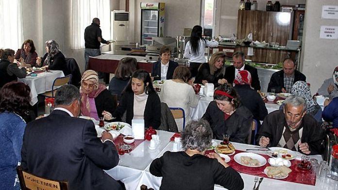 CHP Şehit Ailelerini Ağırladı