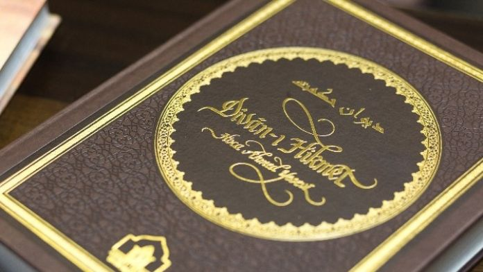 Dîvân-ı Hikmet'in Tam Metni, Çağatay Türkçesi Orjinali İle Birlikte Yayımlandı