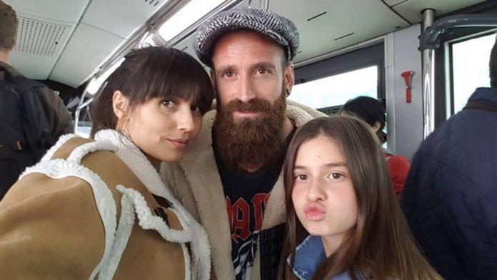 Meireles ailesiyle birlikte metrobüse bindi
