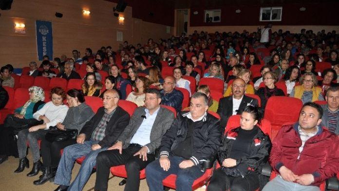 Başkan Turgut, Dünya Tiyatrolar Gününü Kutladı