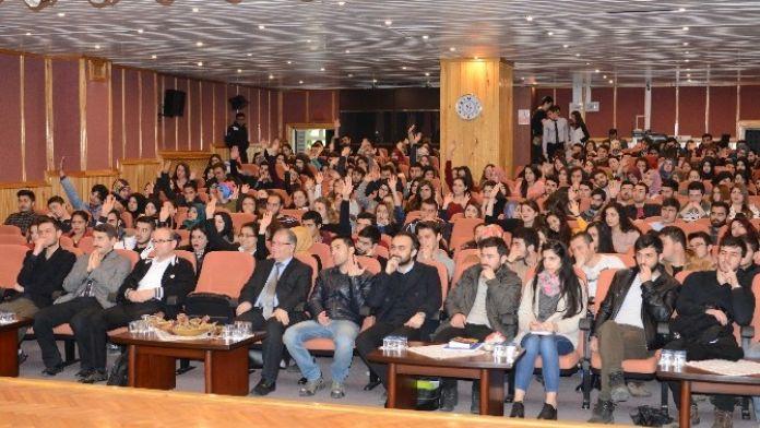 BÜ'den 'Paramı Yönetebiliyorum' Konferansı