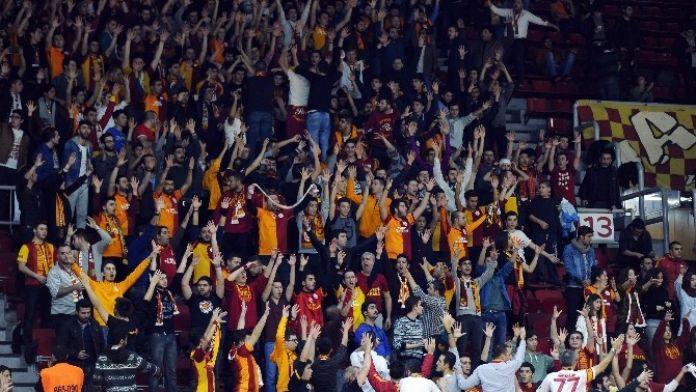 Galatasaray Taraftarı Salonu Dolduracak