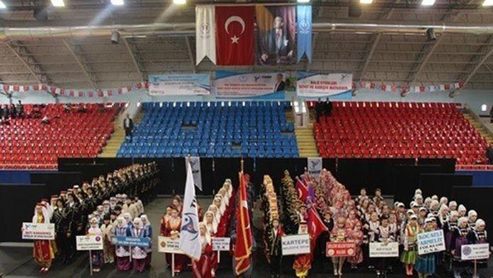 Halk Oyunları Gruplar Yarışmaları Kocaeli'de Yapıldı