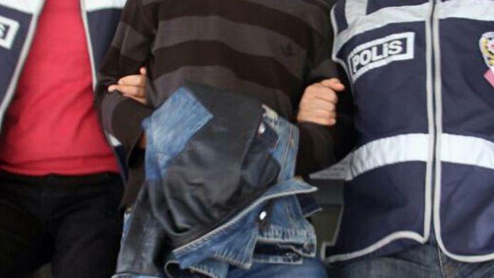 Terör propagandası yapan iki öğretmen tutuklandı