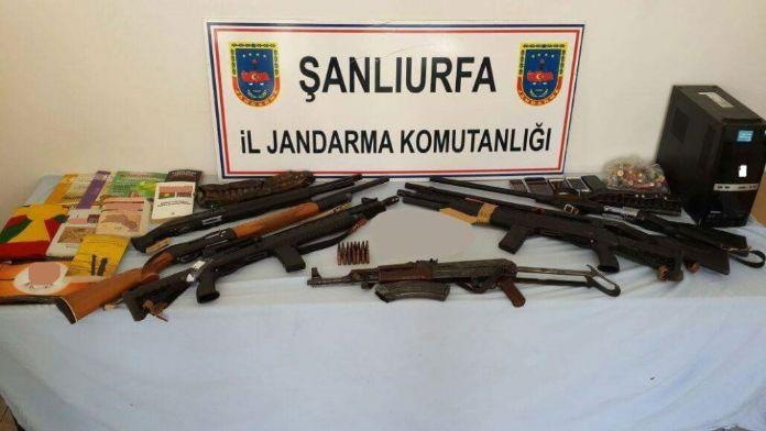 Şanlıurfa'da 13 adrese terör operasyonu: 11 gözaltı