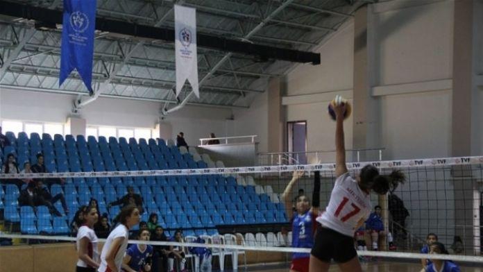 Gençler Voleybol Yarı Finalleri Sona Erdi