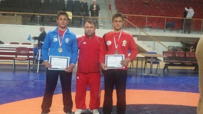 Umurbey Belediyesi Güreş Kulübü Şampiyonluk Yolunda