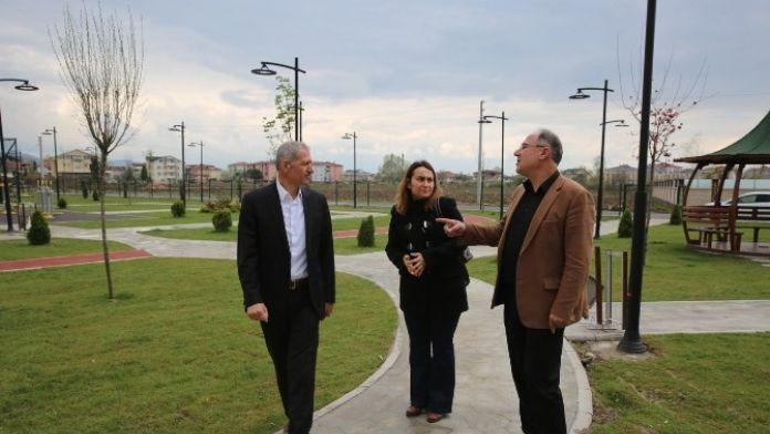 Adapazarı Belediyesi Park Ve Bahçeleri Düzenliyor