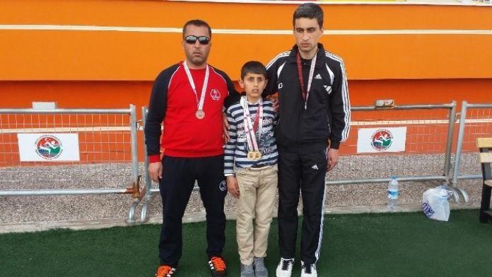 Sporcular, Türkiye Şampiyonasından Madalyalarla Döndü