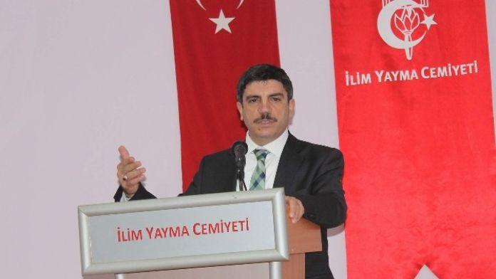 AK Partili Aktay: 'Türkiye'de Anayasa Mahkemesi İflas Etti'