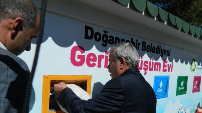 Doğanşehir'de Geri Dönüşüm Evleri Açıldı