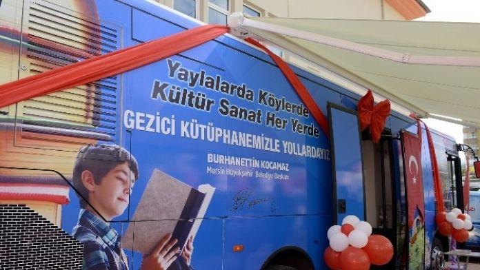 Büyükşehir Belediyesi'nin Gezici Kütüphanesi Hizmete Başladı