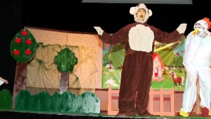 Kreş Ve Anaokulu Öğrencilerinden Tiyatro Günü Etkinliği