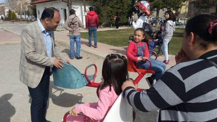 Başkan Özaltun, Çocuk Parklarını Gezdi
