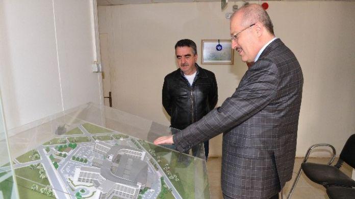 Kafaoğlu, Hastane İnşaatını İnceledi