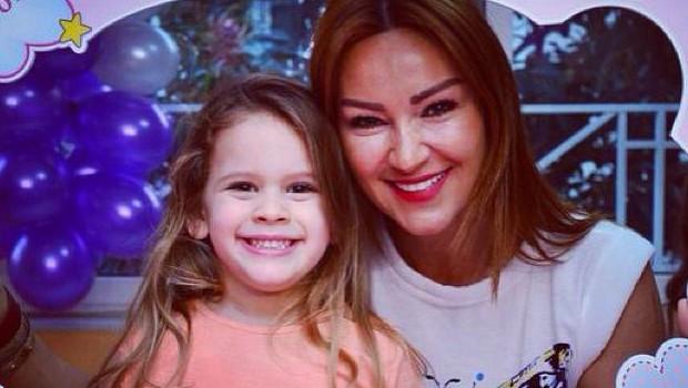 Pınar Altuğ'nun Kızına Yasakları