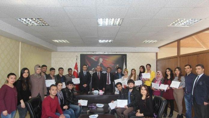 Kilis Gençlik Merkezi Tiyatro Ekibinden Gençlik Hizmetleri Ve Spor İl Müdürü Arkaltı'ya Ziyaret