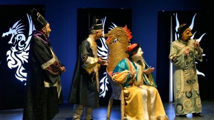 'Turandot Ve Aklayıcılar Kongresi' Tiyatroseverlerle Buluştu