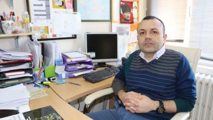 Prof. Dr. Karabekiroğlu: Ergenlerin yaklaşık 10'da 1'i en az bir kez istismar mağduru