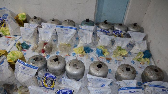Van'da çok sayıda el yapımı patlayıcı ele geçirildi
