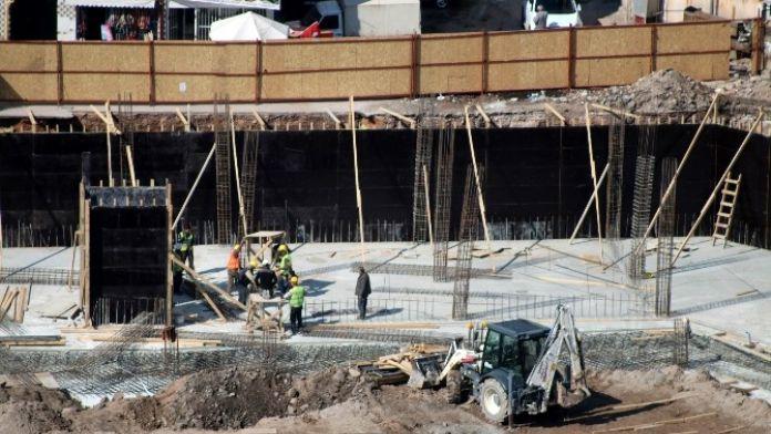 Aksaray Eski Terminal Projesinde Çalışmalar Devam Ediyor