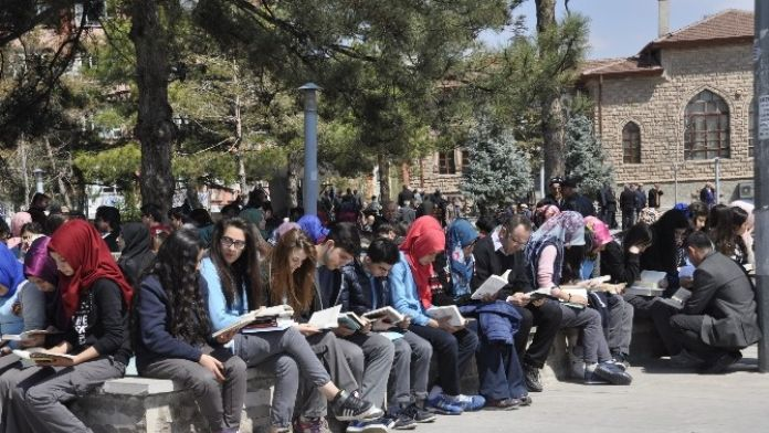 Aksaray'da '81 İlde Kitap Okuyoruz' Etkinliği