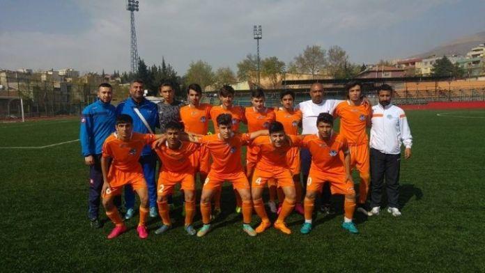 Akdeniz Belediyespor Türkiye Şampiyonası'nda Üst Tura Yükseldi