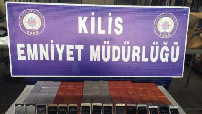 Kilis'te 115 kaçak cep telefonu ele geçti
