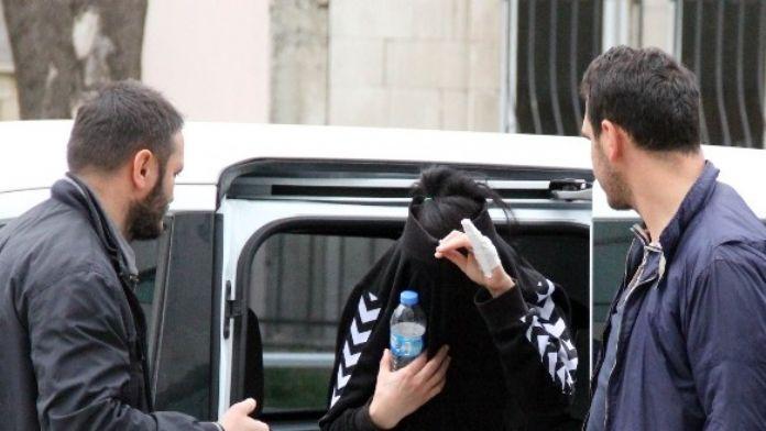 Uyuşturucudan Aranan Genç Kız Gözaltına Alındı