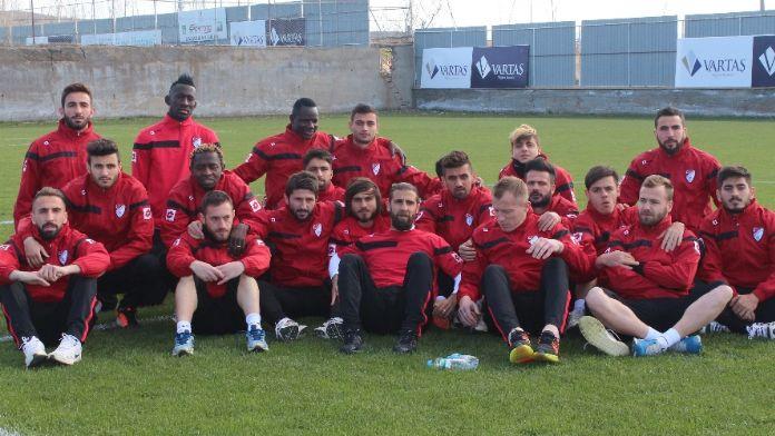 Elazığsporlu futbolcular eylem yaptı