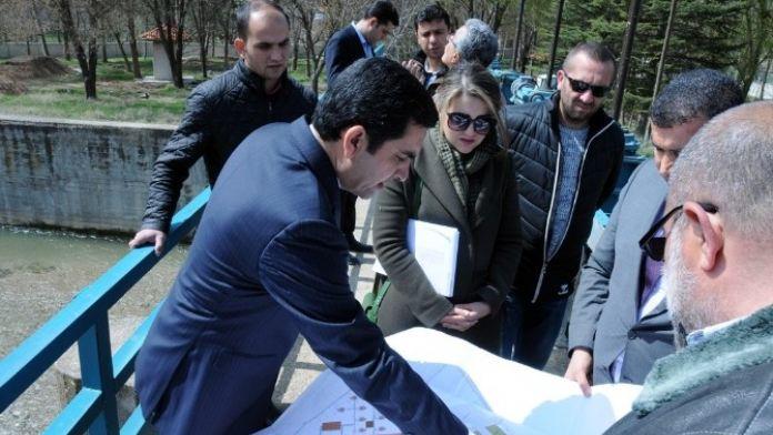 Başkan Bahçeci, Piknik Alanı Ve Evcil Hayvan Parkı Projelerini İnceledi