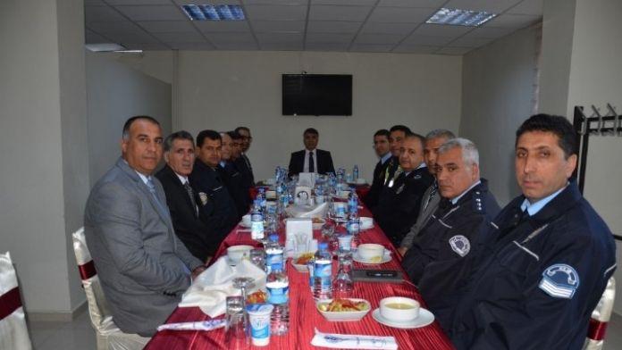 Emniyet Müdürü Özdemir, Başarılı Personel İle Yemekte Buluştu