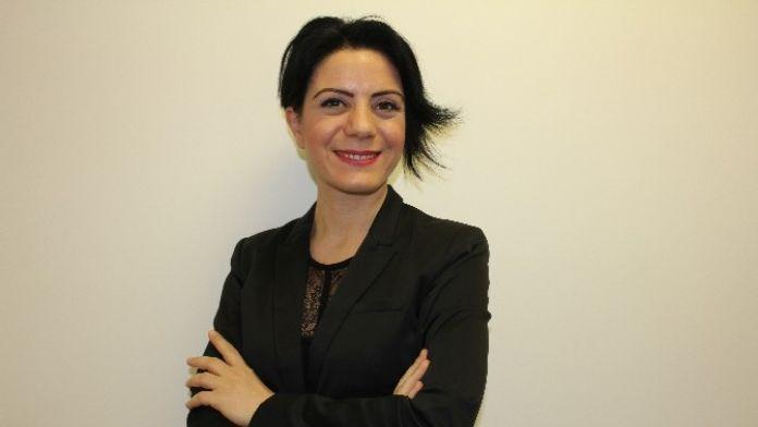 Uğur Okulları Kariyer Merkezi Direktörü Nazik Kösegil: