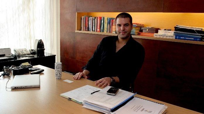 Tansu Çiller'in Oğlu Berk Çiller Güneş Enerjisi Paneli Üretecek