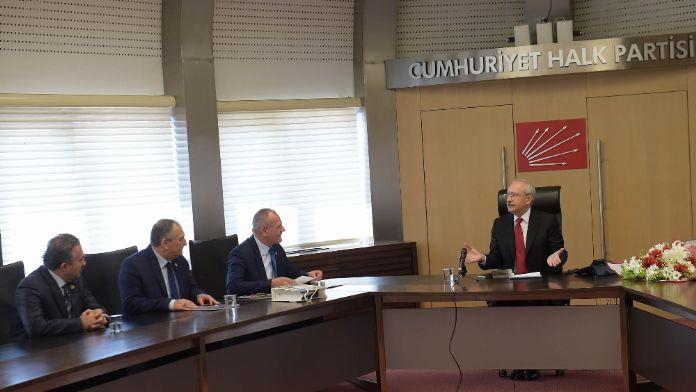 Kılıçdaroğlu Belediye Başkanları Birliği heyetiyle görüştü