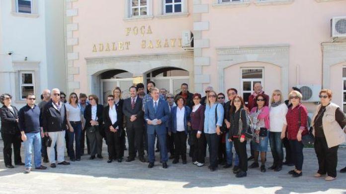 CHP Foça'dan 'Erdoğan' ve 'Davutoğlu'na suç duyurusu