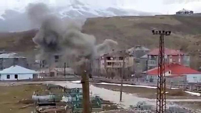 Teröristlerin kaldığı bina vuruldu