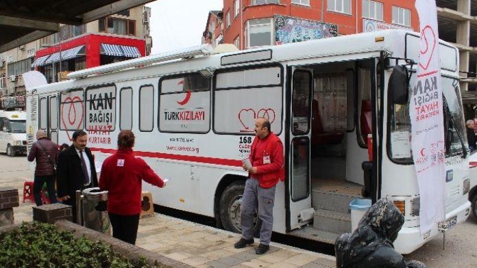 Ordulular Kan Bağışına Alıştı