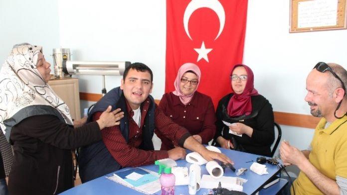 Engelli Aileleri 'Sevgi İzi' Sayesinde Rahat Nefes Aldı