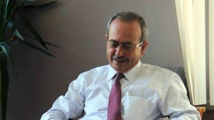 Başkan Asaf Akar, Kütüphaneye Kitap Bağışladı