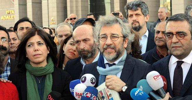 477 Avukat Dündar ve Gül'ü Savunacak