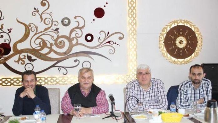 Satso 19 Meslek Komitesi Başkanı Halit Evin S Plakalarla İlgili Basın Toplantısı Düzenledi