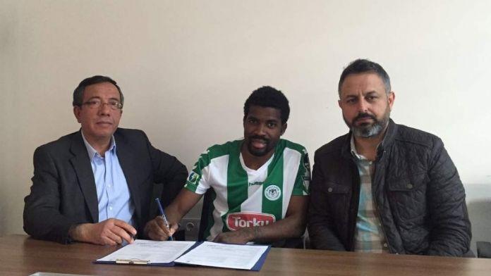 Torku Konyaspor Mbamba'nın sözleşmesini uzattı