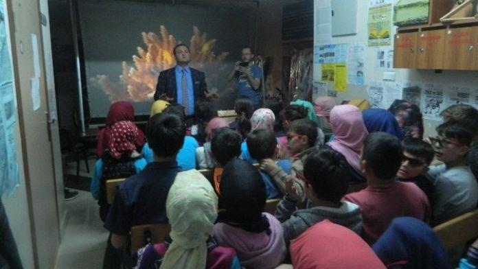 Öğrenciler 'Çanakkale Geçilmez'i İzledi