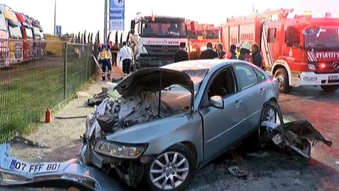 İstanbul'da korkunç kaza: 2 ölü, 1 yaralı