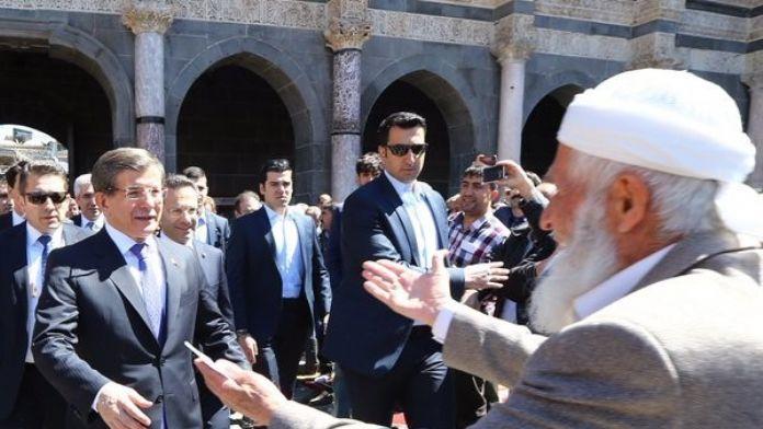 Başbakan Davutoğlu'ndan Diyarbakırlılara Teşekkür