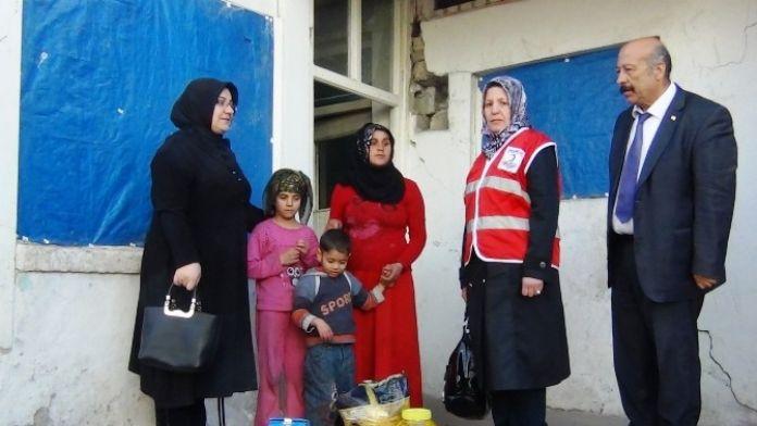 Türk Kızılayı Erciş Şubesinden Fakir Ailelere Gıda Yardımı