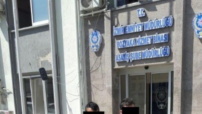 Telefonda 'Polisim' Dedi Ne Varsa Aldı